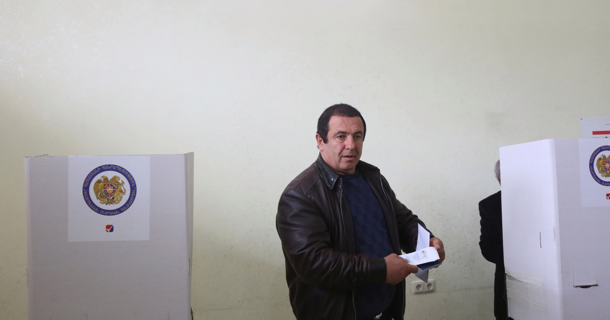 Armenia opposition leader placed in detention