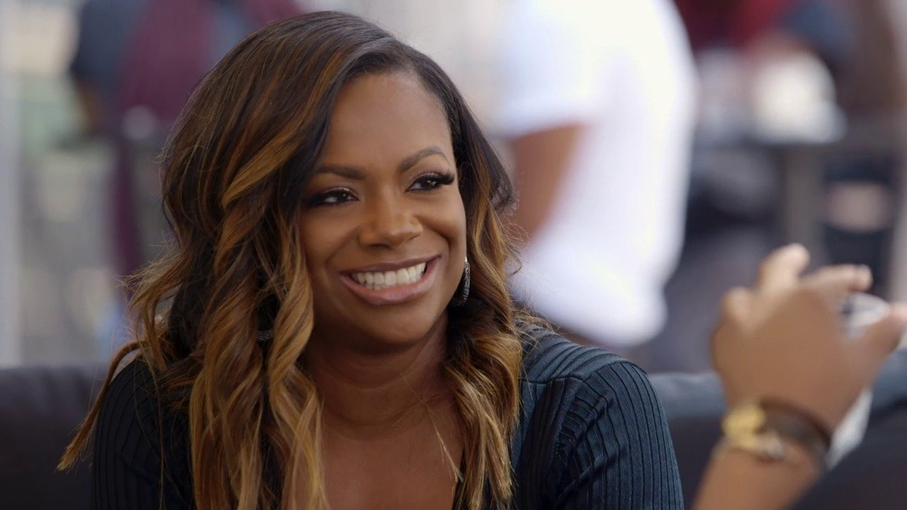 Kandi Burruss Shows Fans What Happy Looks Like – See Her Gorgeous Pics