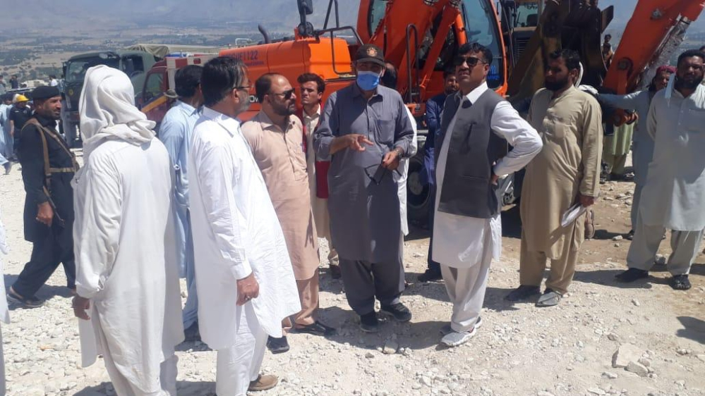 Pakistani miners killed, many feared trapped after rockslide