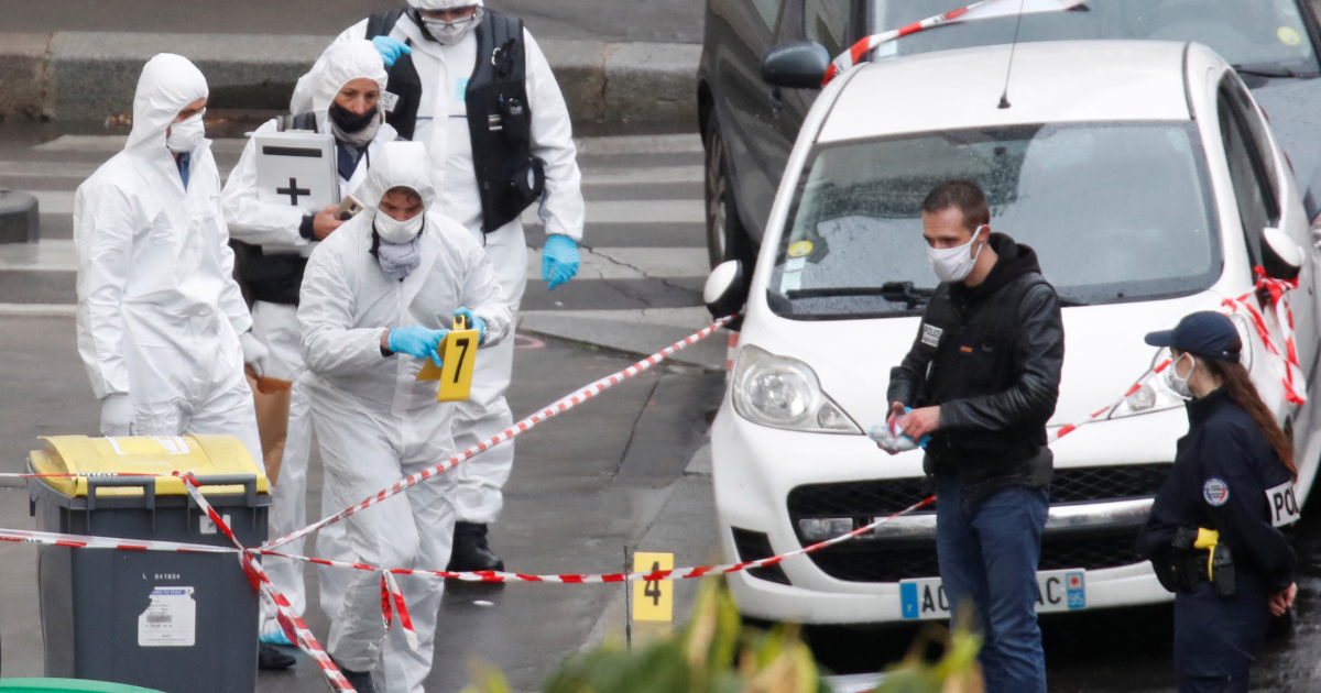 Parisians react to attack near Charlie Hebdo's former offices