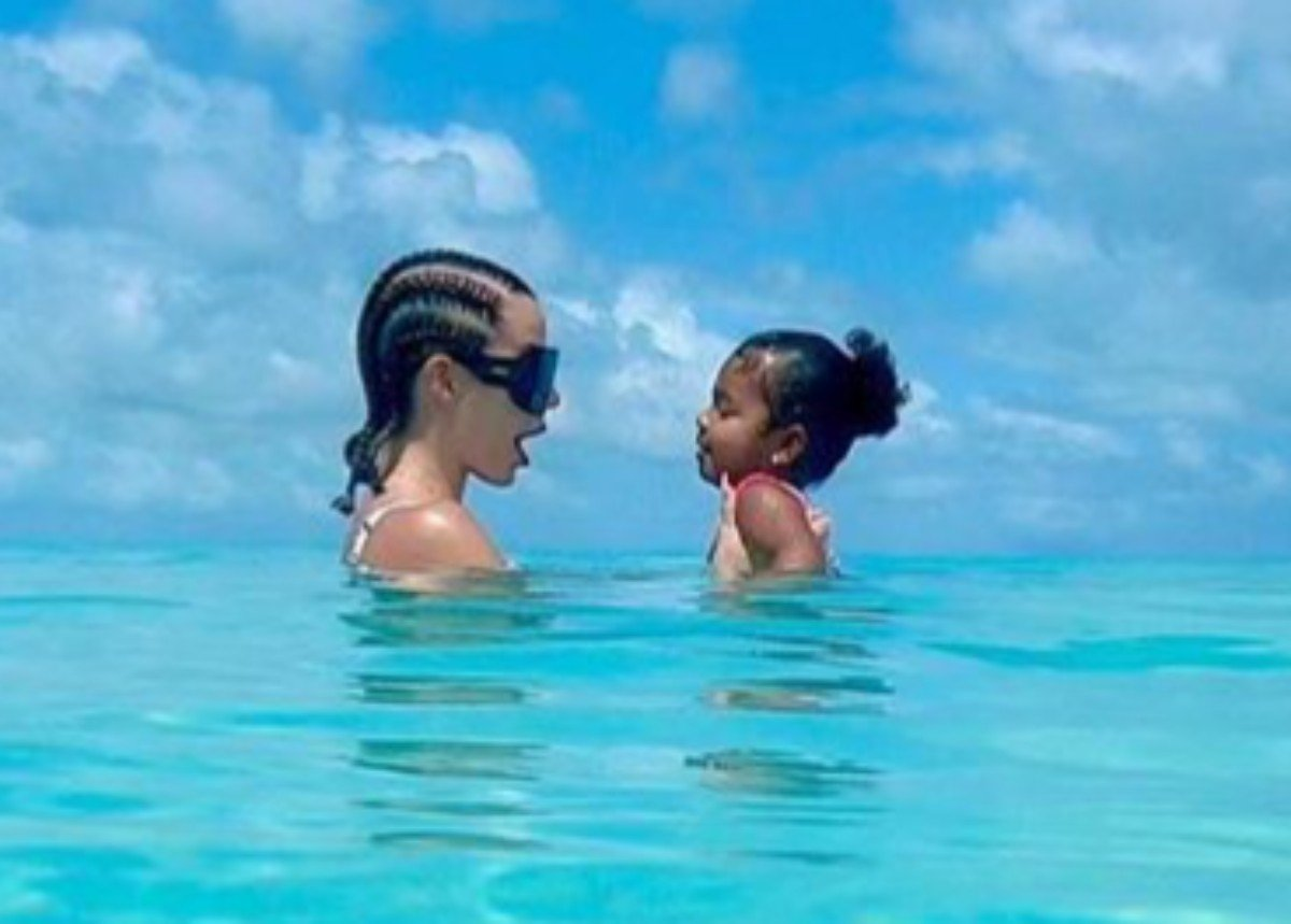 Khloe Kardashian And Daughter True Thompson Wear Stylish Bathing Suits During Their Luxury Vacation