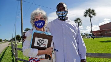 Florida felons can't vote until fines, fees are paid, judges rule