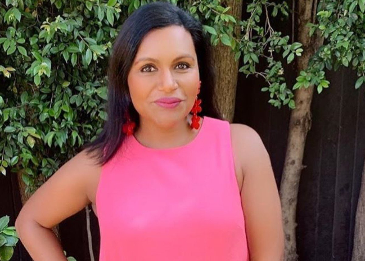 Mindy Kaling Puts On A Gorgeous Display With Pink And Red Florals