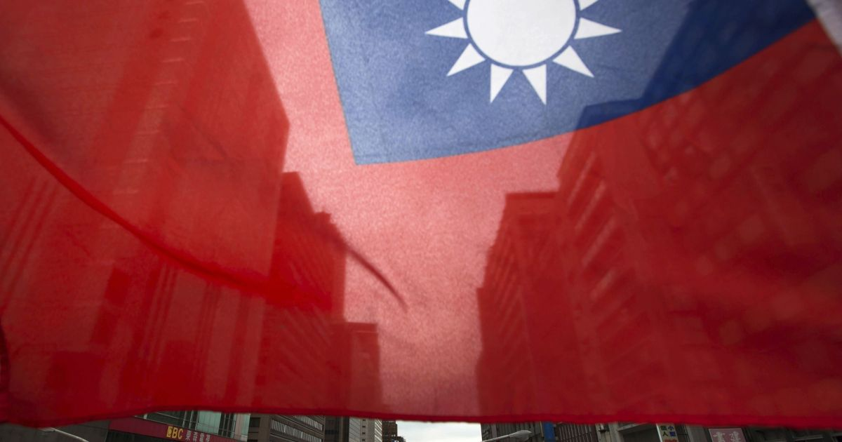 India reportedly considers Taiwan trade talks, angering China