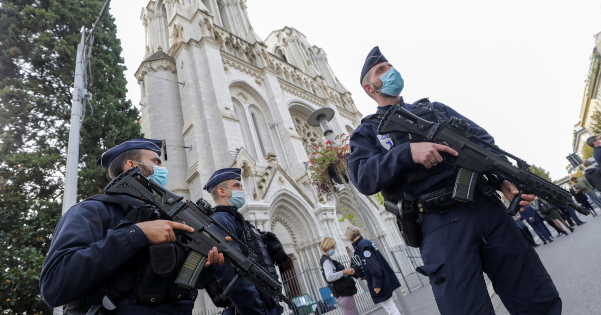 French Muslims express 'anger, sadness' after Nice attack