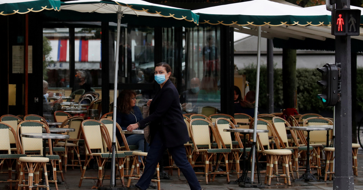 Parisians more concerned with COVID-19 than Muslim world fallout