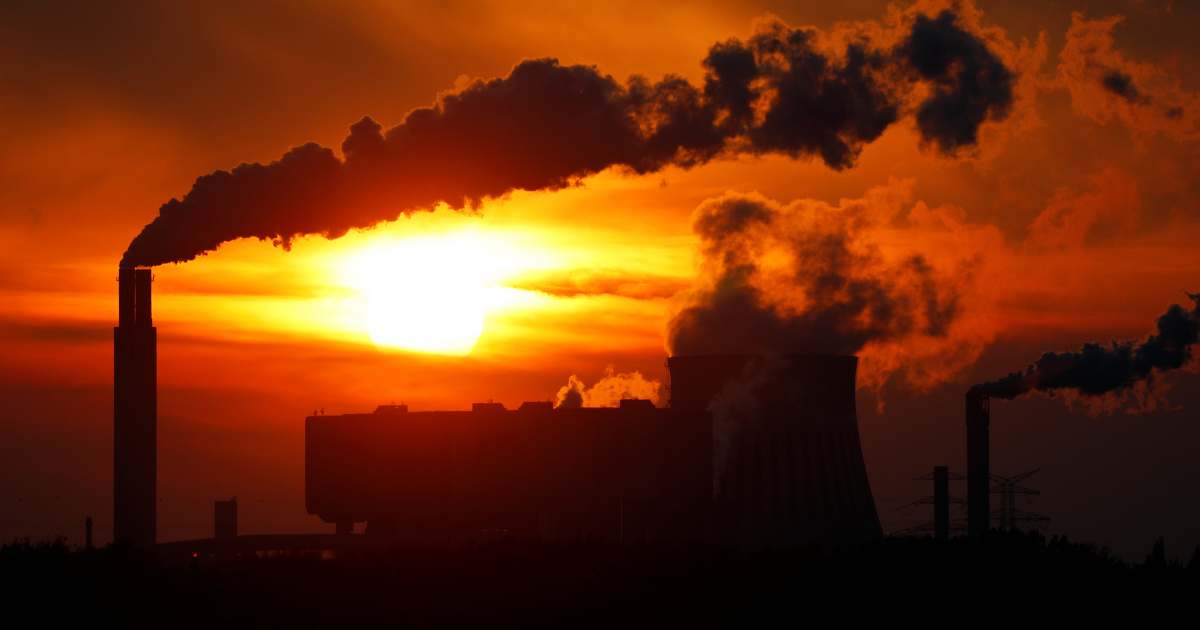 UN chief warns development banks to stop backing fossil fuels