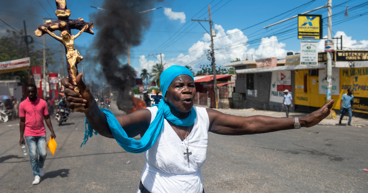 In Pictures: Rubber bullets, tear gas at Haiti protests