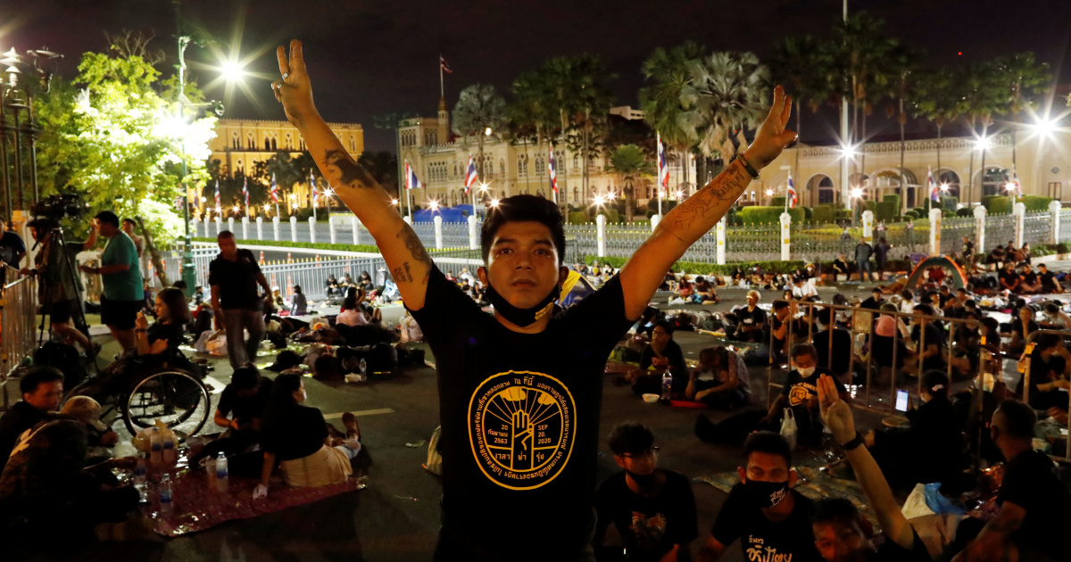 Thailand imposes 'emergency' amid protests, leaders detained