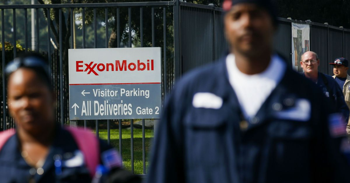 Job cut nation: Exxon Mobil to lay off 1,900 US employees