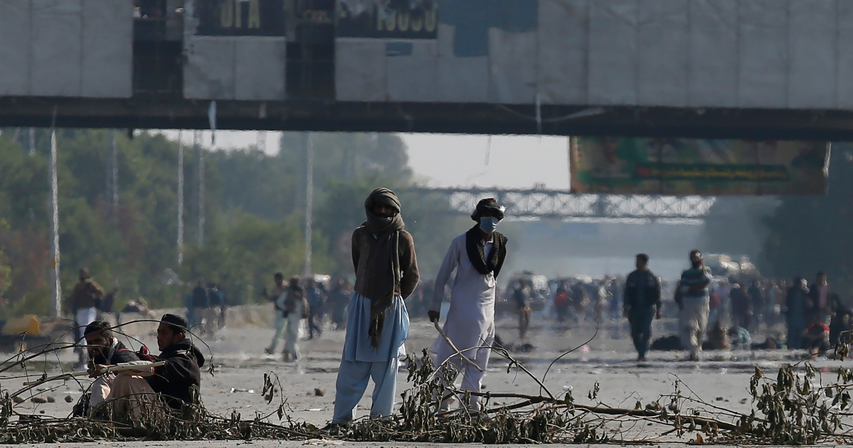 Pakistan anti-France protests called off after 'deal' with gov't