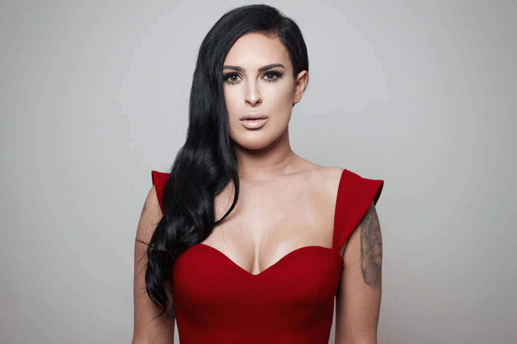 Rumer Willis Says Her Father Bruce Wants Her To Have A Son
