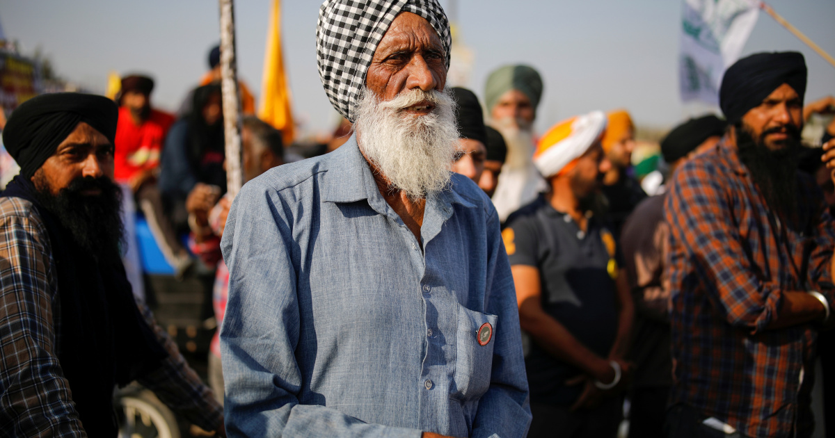 Indian farmers reject new proposals, threaten to step up protests
