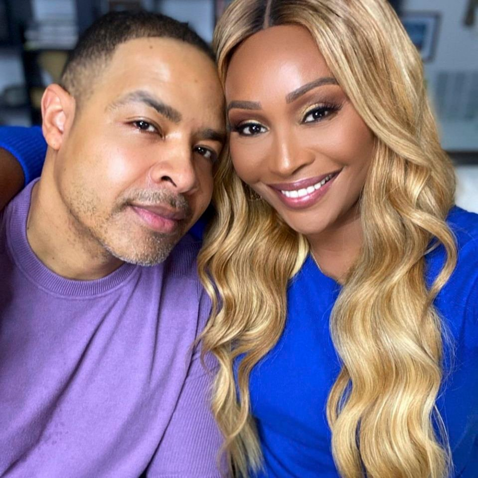 Cynthia Bailey And Mike Hill Have Fun Decorating Their First Christmas Tree Together – See The Video